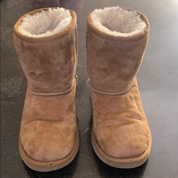 UGG Shoes | Girls Uggs Size 3 | Poshmark